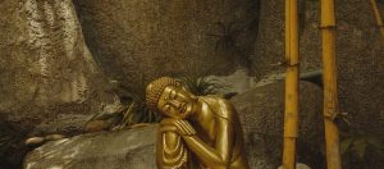 Gifting Buddha Statues to Non- Buddhists : Is that okay?